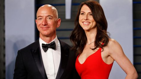 https://qz.com/work/1519192/jeff-bezos-announces-divorce-and-keeps-control-of-the-story/